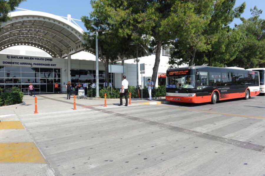 В аэропорт Анталии на автобусе