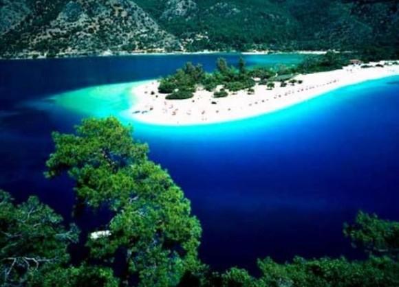 Голубая лагуна или мертвое море в Турции